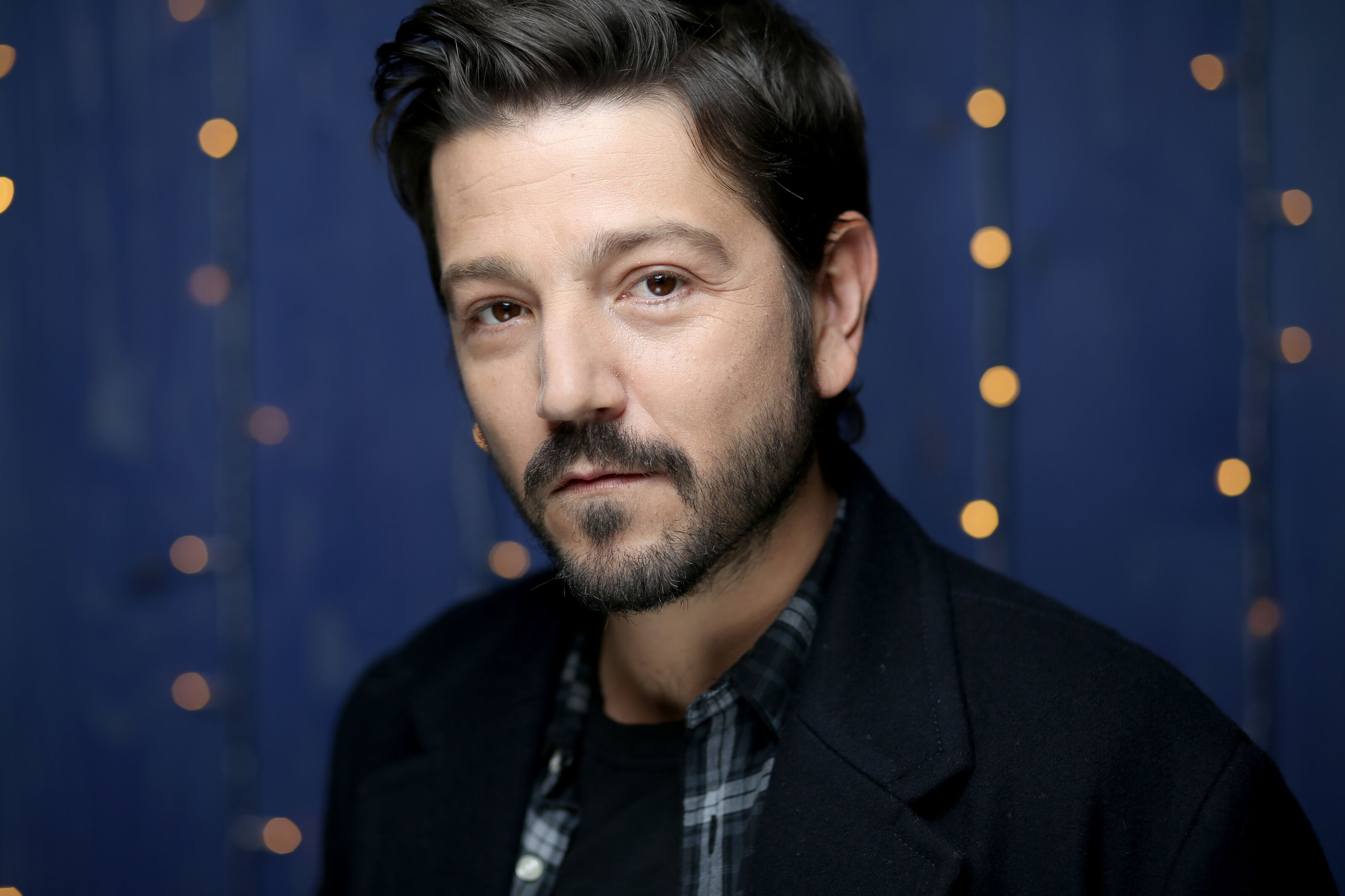 Disney to begin filming Rogue One prequel with Diego Luna this year!