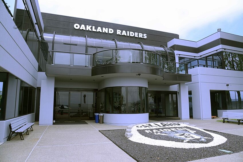 The Oakland Raiders Released Their First Official Unofficial 2016 Depth Chart A Few Days Ago