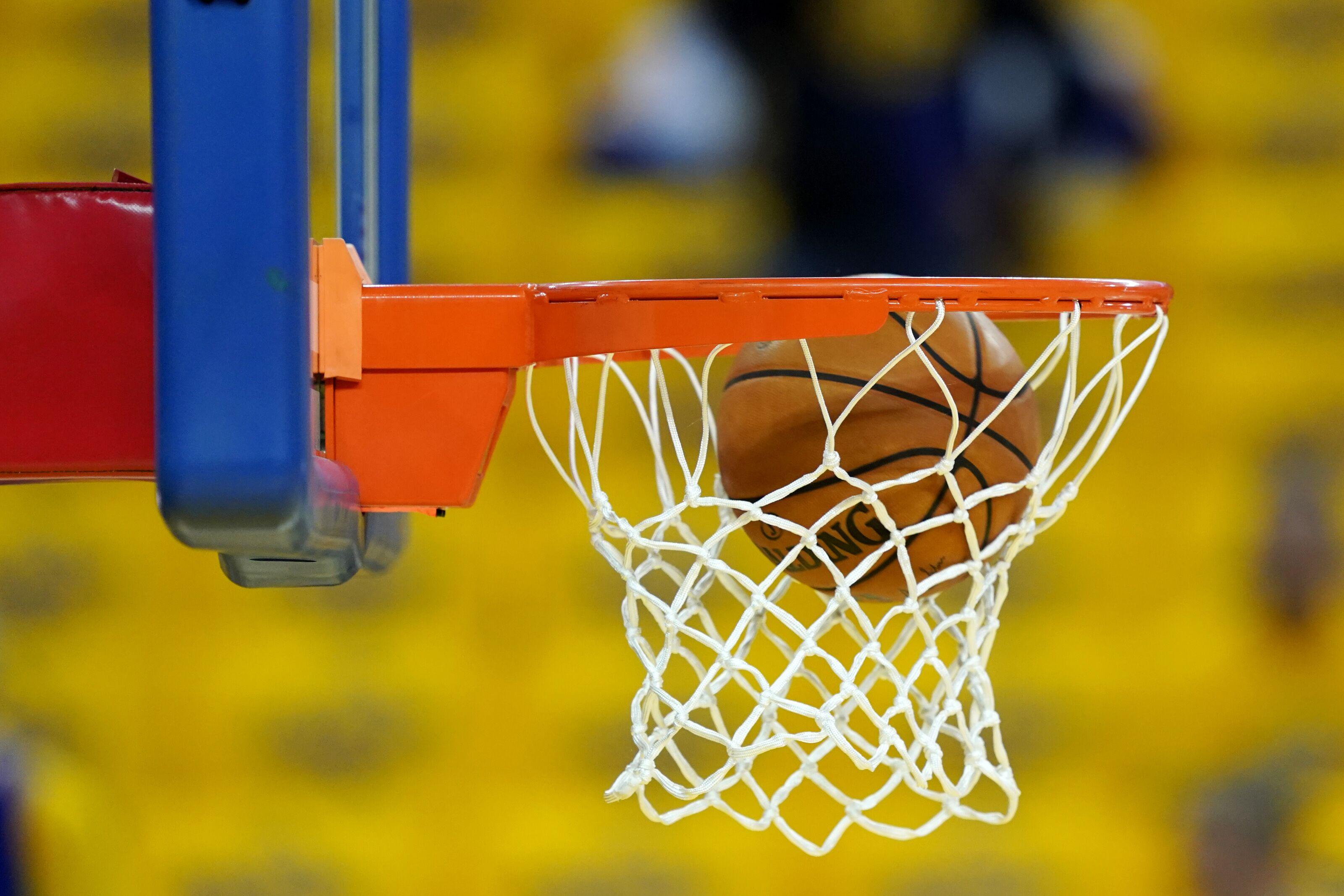 Illinois Basketball: Adam Miller includes Illini in top 10