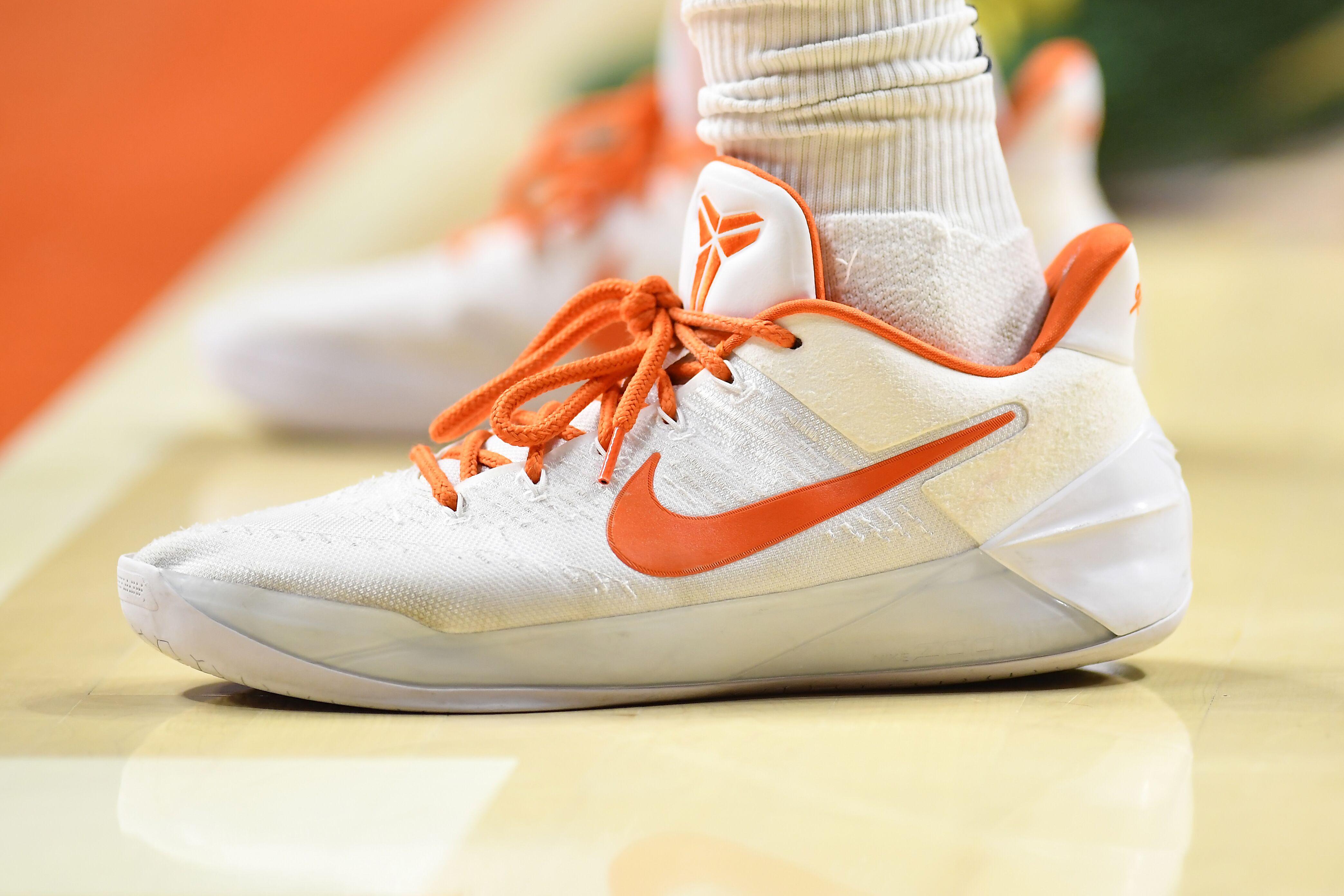 909405338-college-basketball-jan-22-michigan-state-at-illinois.jpg