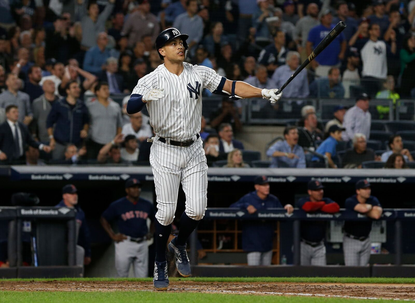 c906642c07e Yankees break single season home run record with 265 and 266