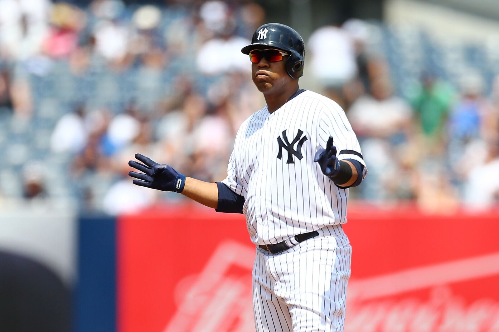 Yankees: Will they bring back Edwin Encarnacion in 2020?