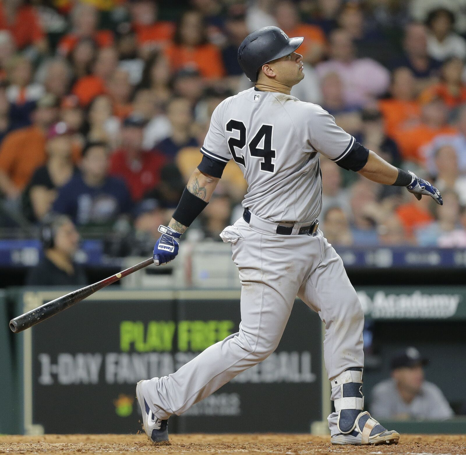 Mlb Rumors Analyzing All The Latest Whispers News And: Yankees Would Be Crazy To Trade Gary Sanchez For J.T. Realmuto