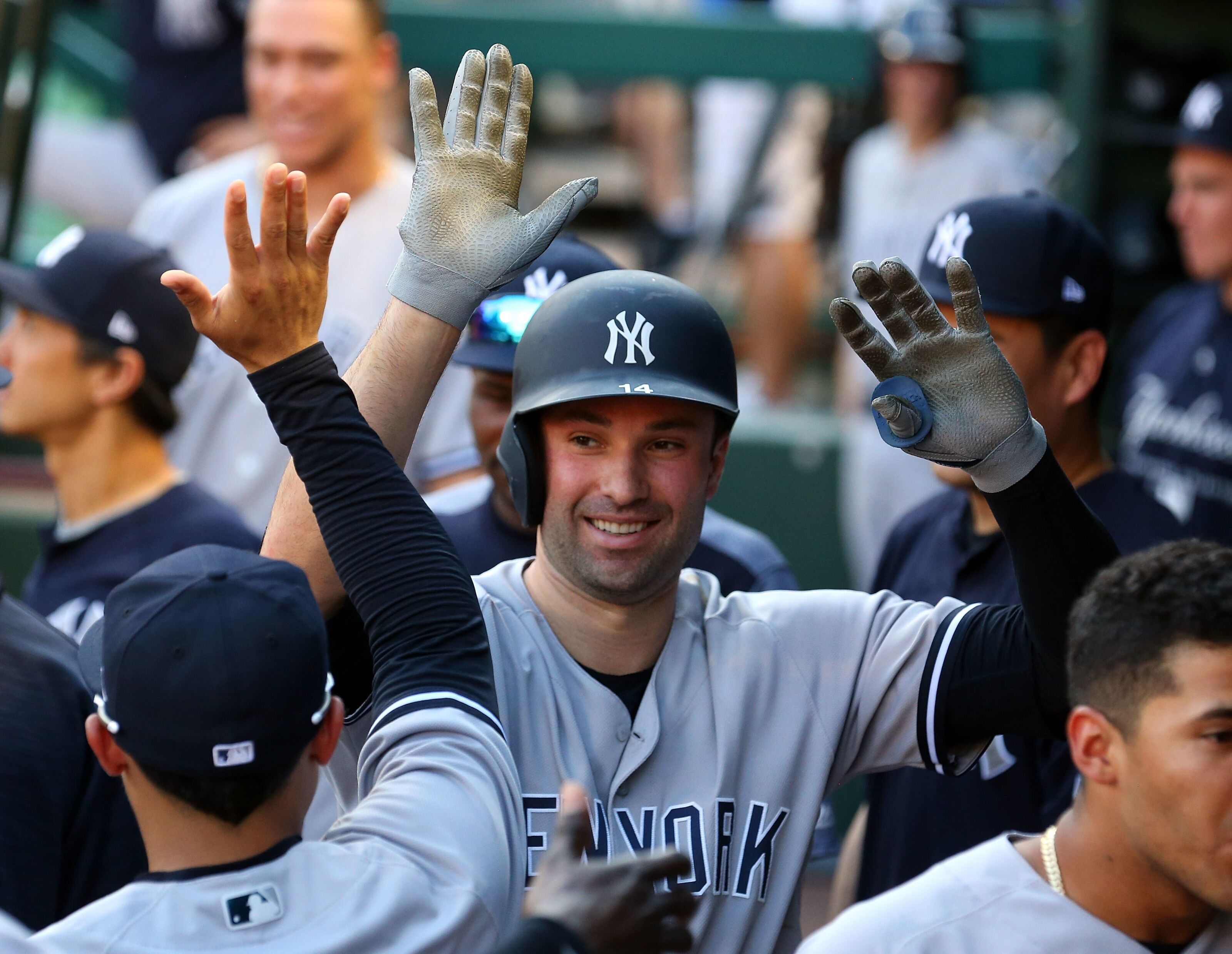 Yankees: Should they re-sign Neil Walker this offseason?