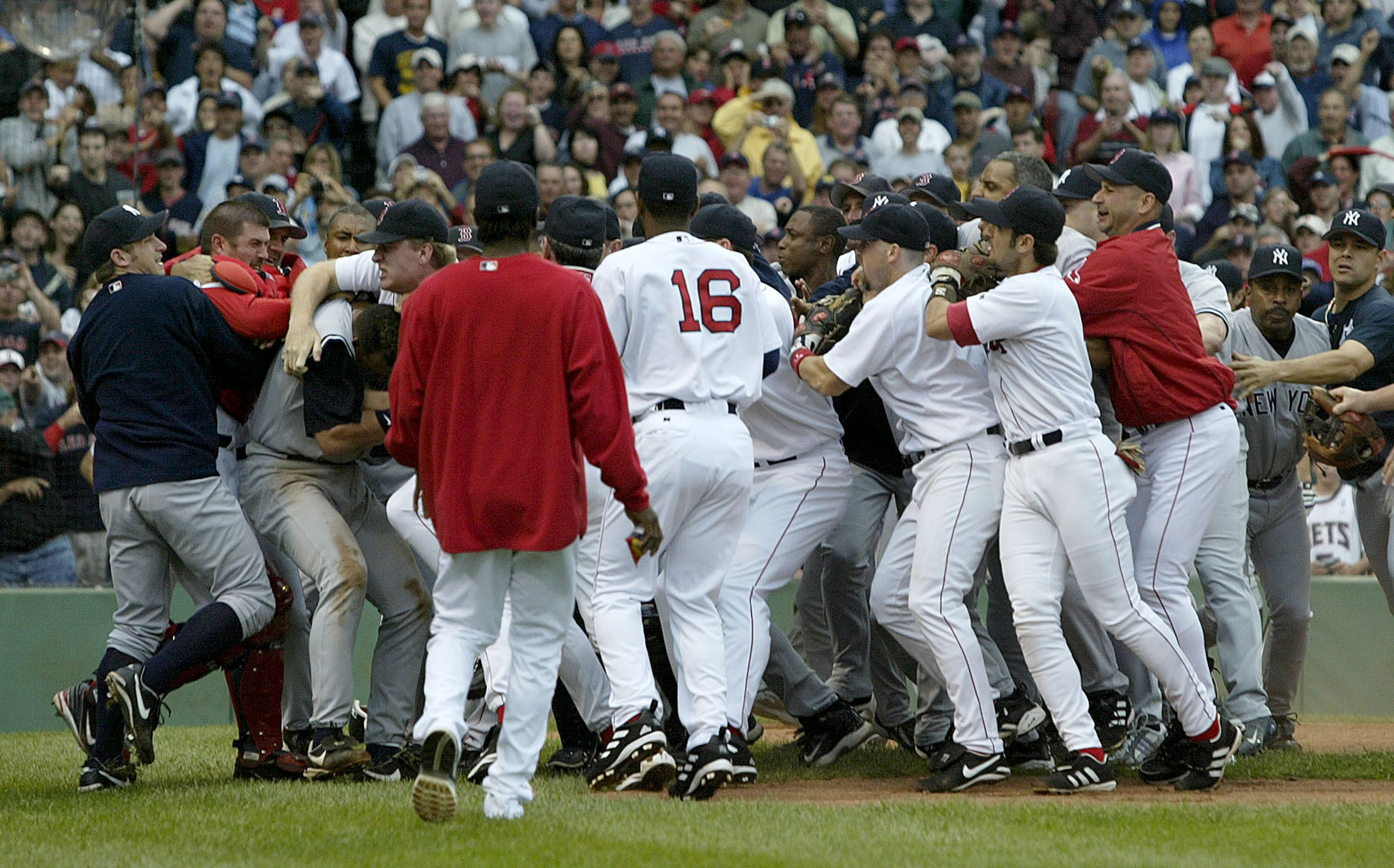 red sox vs yankees essay New york yankees vs boston red sox tickets are among the most highly sought after tickets in all of sports as the teams fiercely battle for a win red sox vs yankees information fenway ticket king still has yankees vs red sox tickets available for the upcoming games in fenway park.