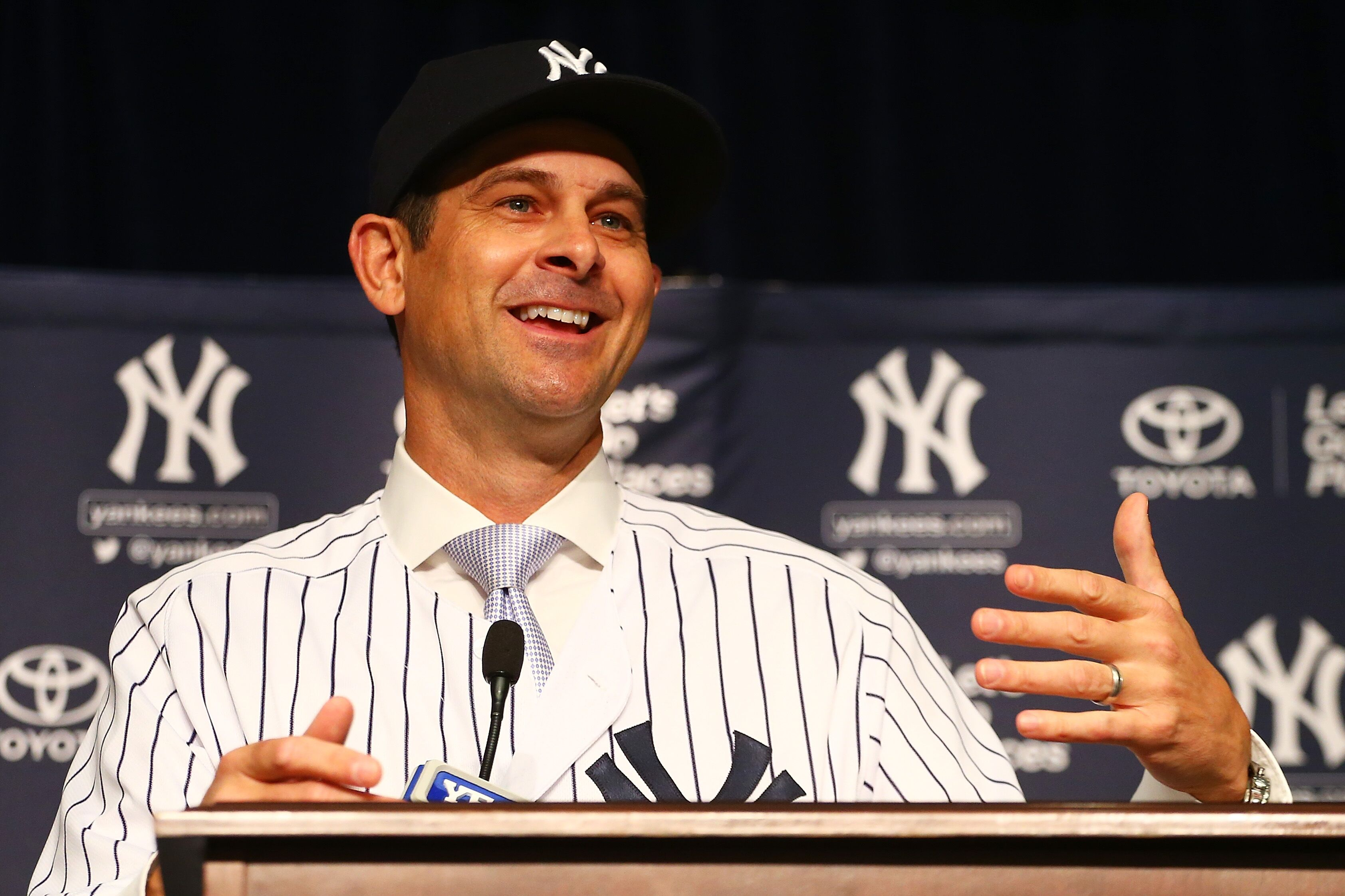 887095172-new-york-yankees-introduce-aaron-boone-as-manager.jpg