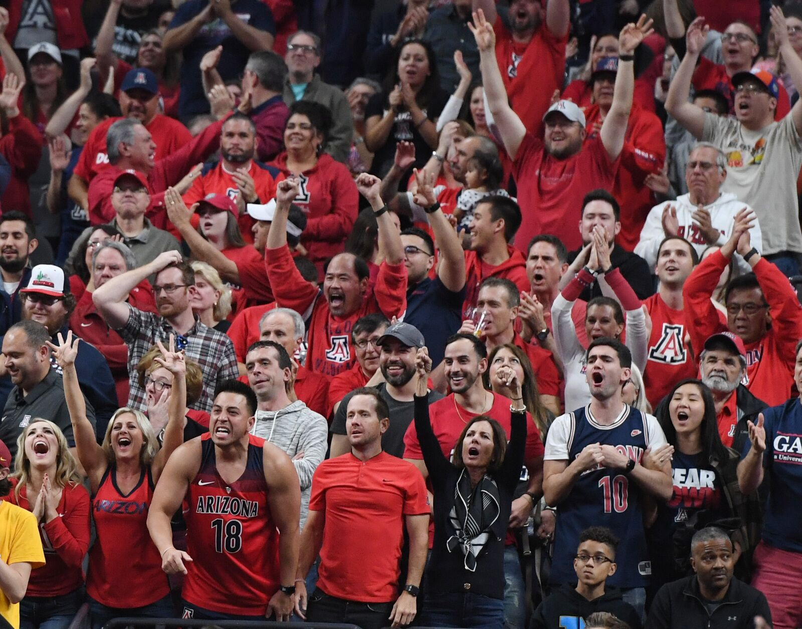 Arizona Basketball  Highlights of the 2018-19 annual Wildcats Red and Blue  game b6a5dd425