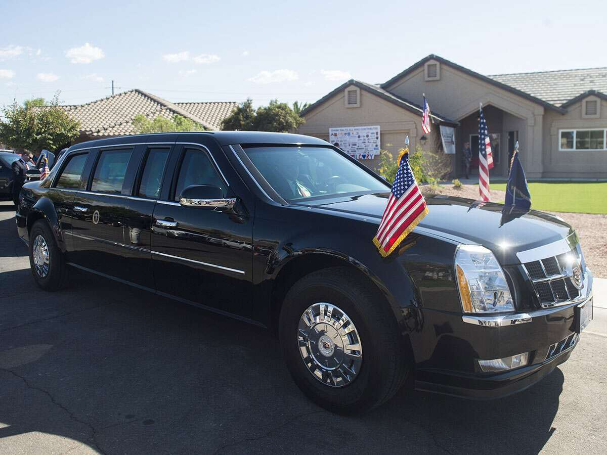 a look inside the presidential limousine the drive. Black Bedroom Furniture Sets. Home Design Ideas