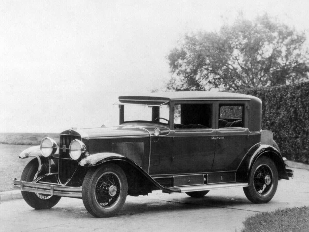 1928 Cadillac V8 Town Sedan