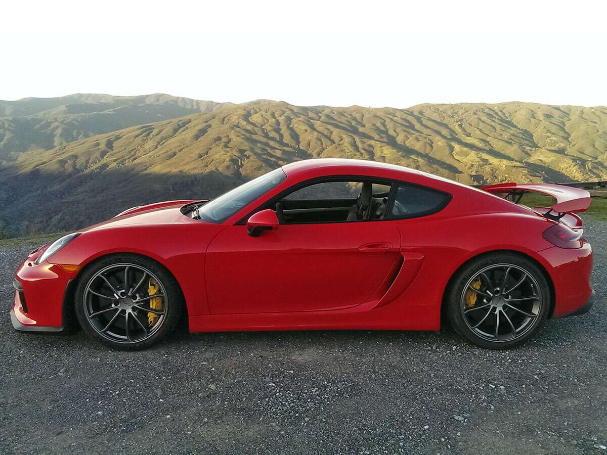 Even Among Elite Metal The Porsche Cayman Gt4 Shines