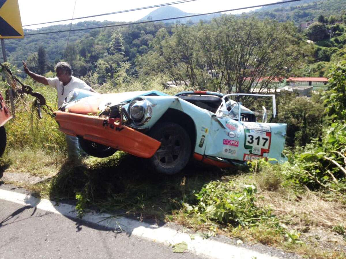 I Nearly Died Racing My Vintage Porsche 911 at La Carrera ...