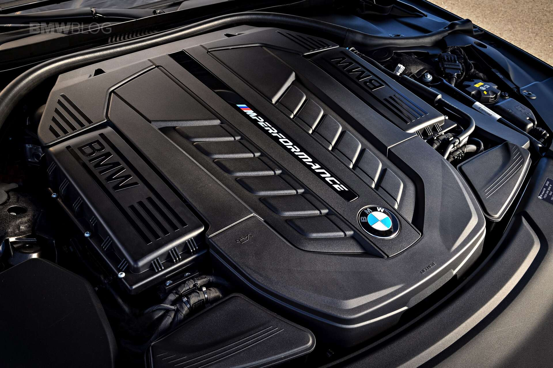 The 2017 BMW M760i XDrive Is A 154795 Car With 50 Flaw