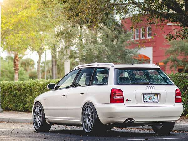 9 2001 Audi S4 Avant