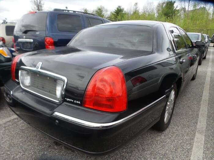 2004 Lincoln Town Car The Drive S Daily Mileage Champion The Drive