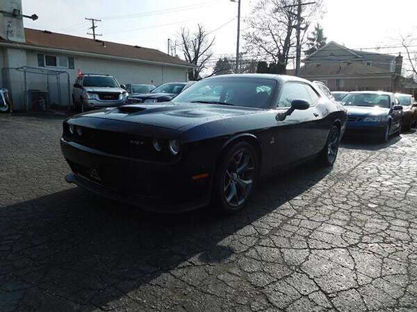used dodge challenger r t scat pack muscle cars are cheap at 33 000 the drive. Black Bedroom Furniture Sets. Home Design Ideas