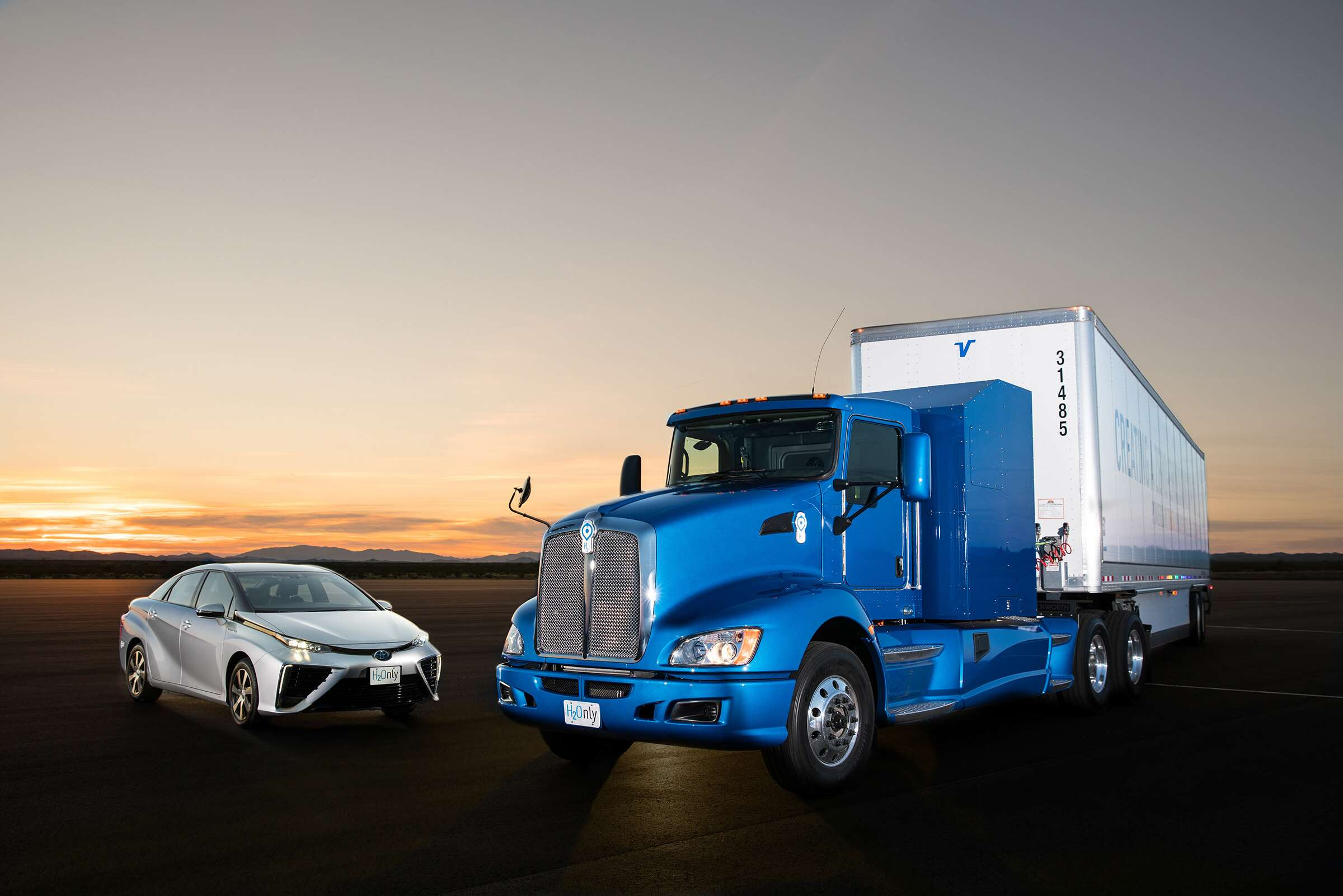 Toyota introduces 39 project portal 39 a hydrogen powered for Toyota motor north america