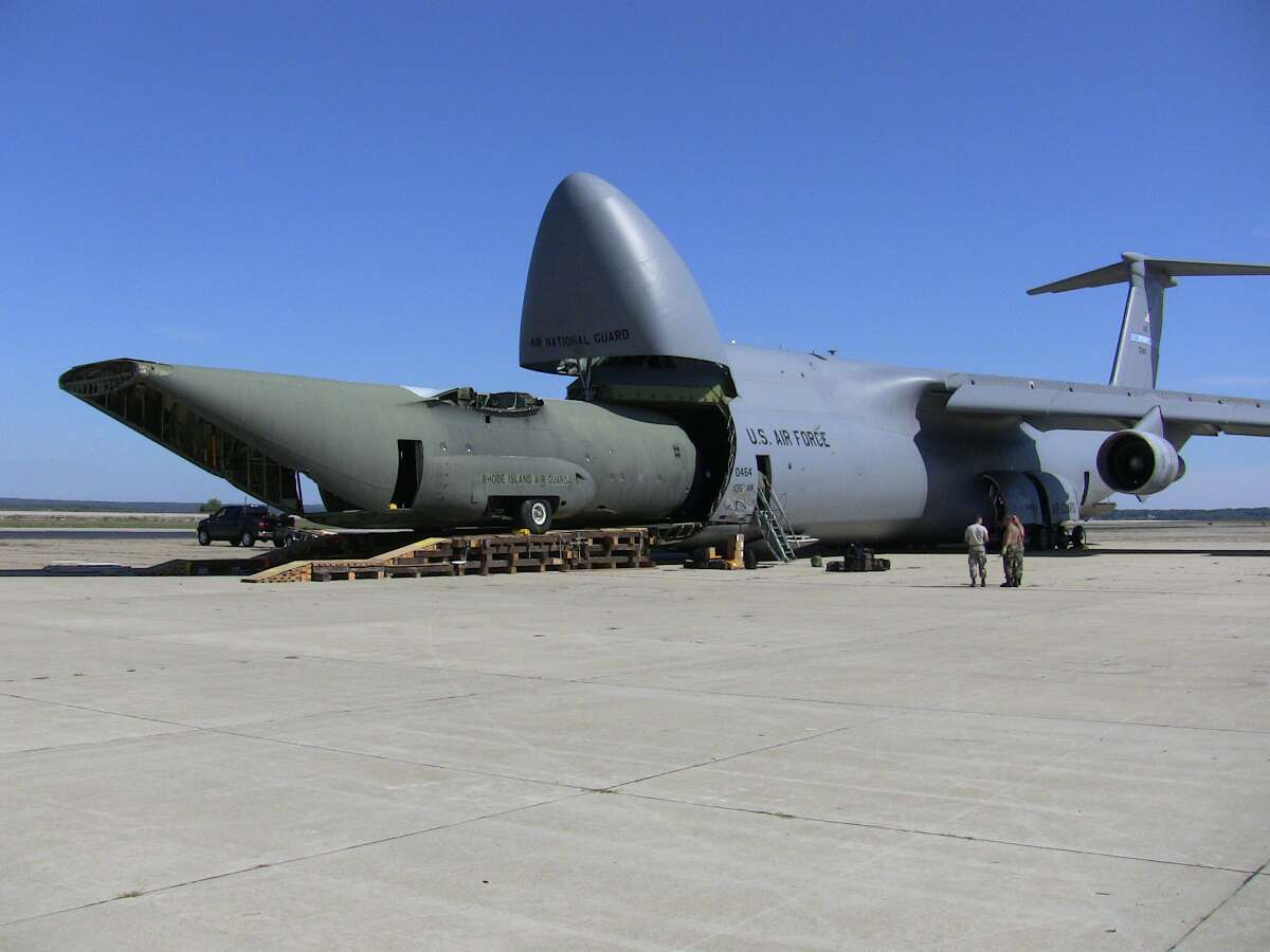 air force now wants to get sidelined c 5 galaxy transports back in