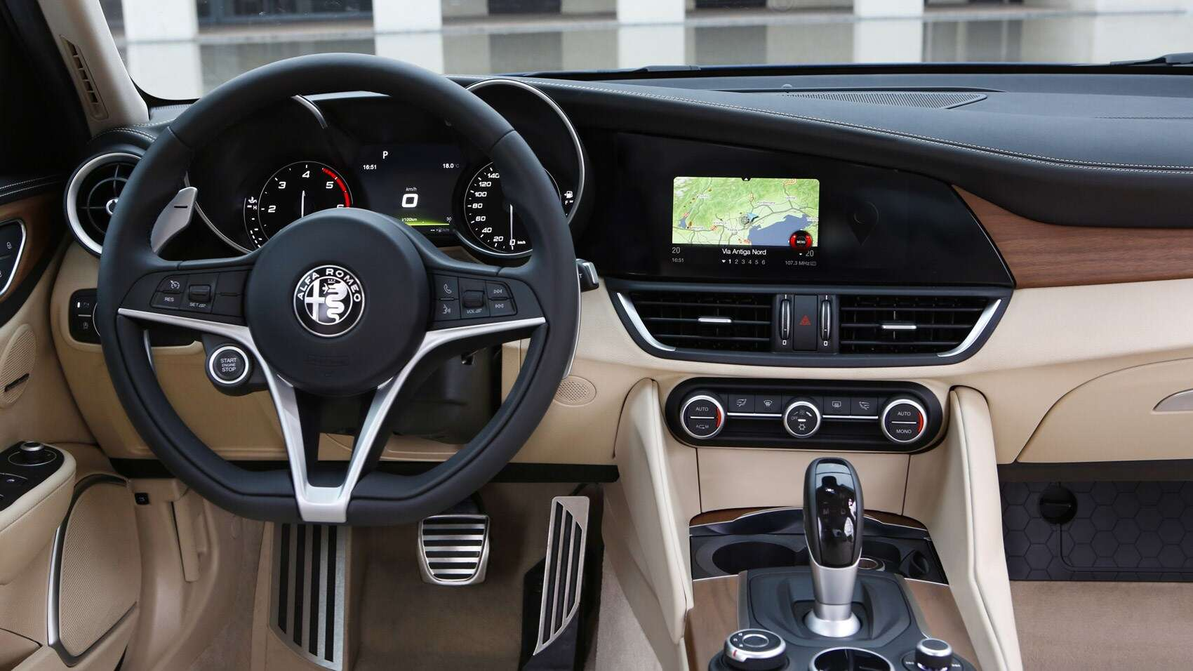 The alfa romeo giulia is the diesel sports sedan we 39 ve for Alfa romeo 159 interieur