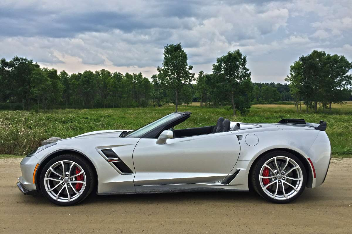 2018 chevrolet corvette grand sport convertible review even a compromised version will blow you. Black Bedroom Furniture Sets. Home Design Ideas