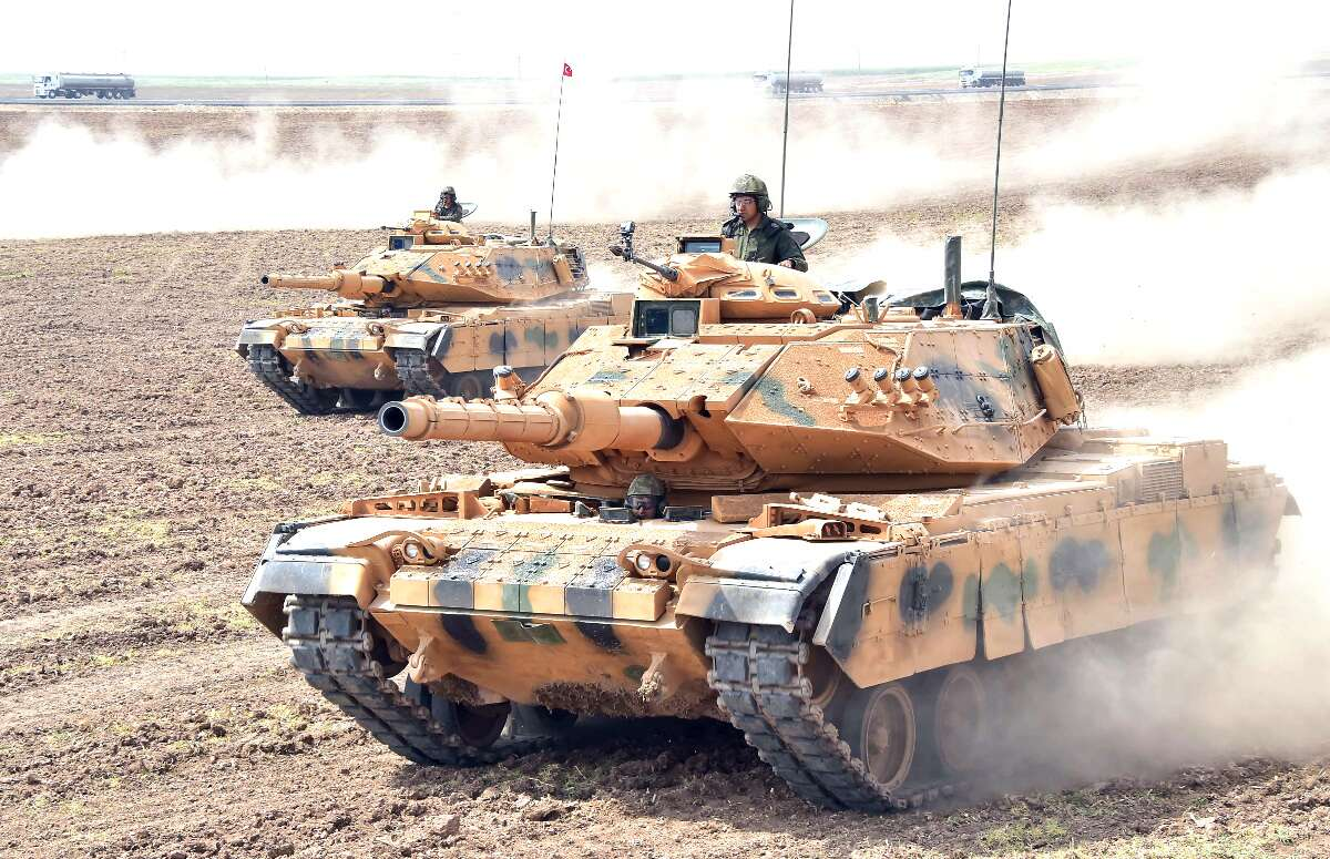 http://www.thedrive.com/the-war-zone/14798/iranian-tanks-roll-up-to-the-iraqi-border-as-embargo-of-kurds-expands