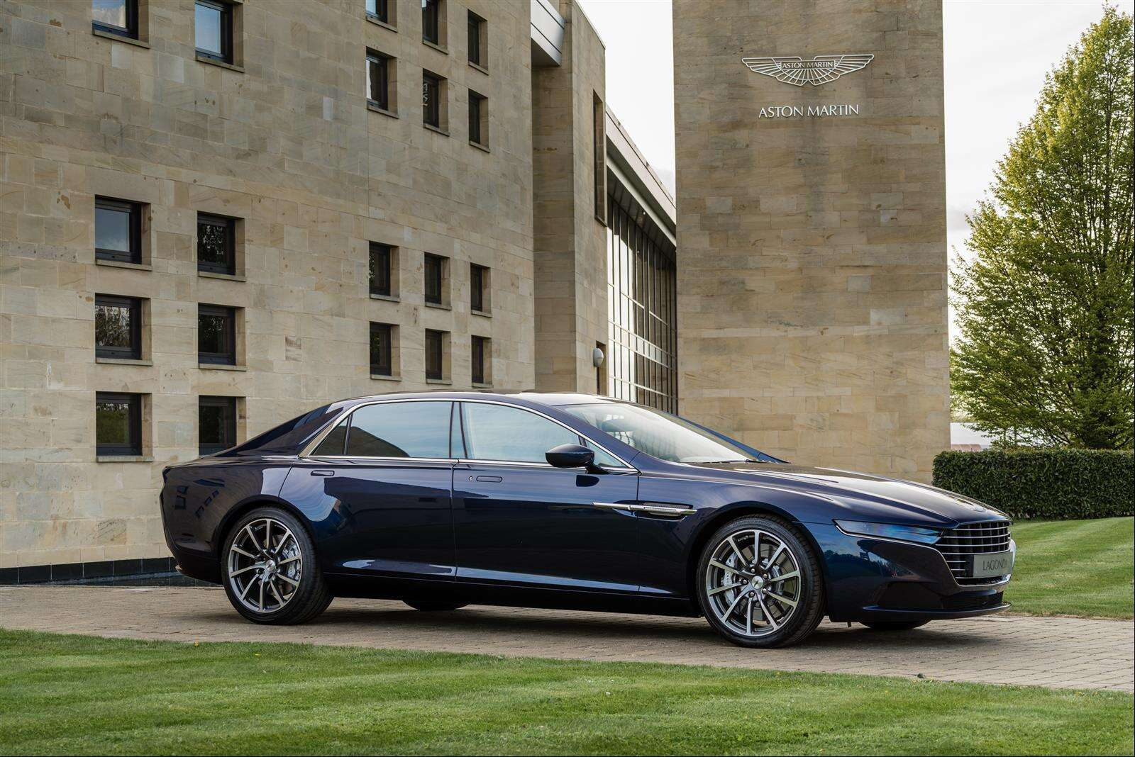 aston martin will have two lagonda models out2023 - the drive