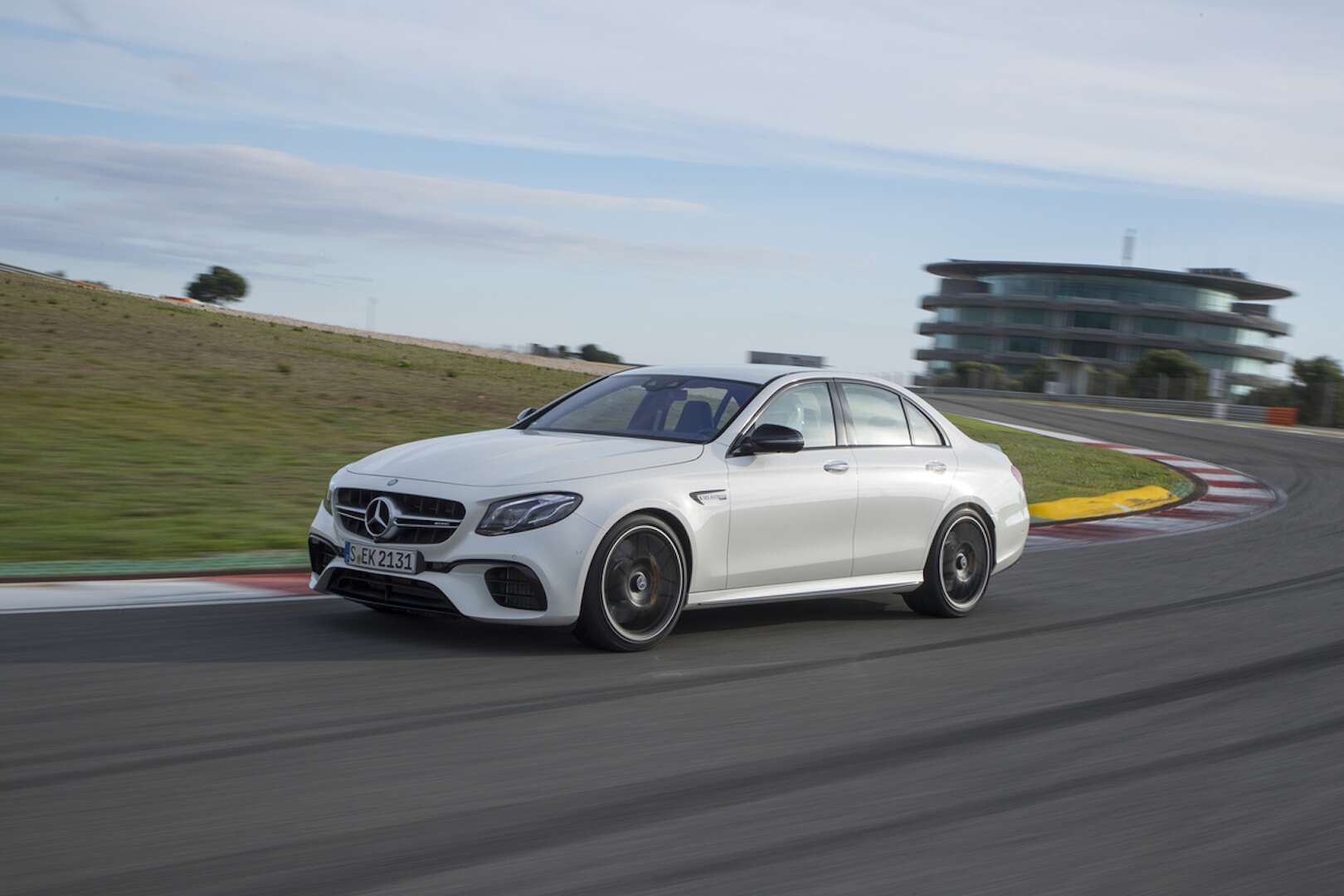 2018 mercedes amg e63 s review the rock 39 em sock 39 em for Mercedes benz e63 amg price