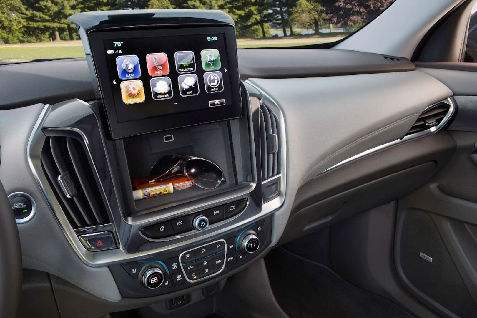 2018 Chevrolet Traverse Interior MyLInk Secret Storage