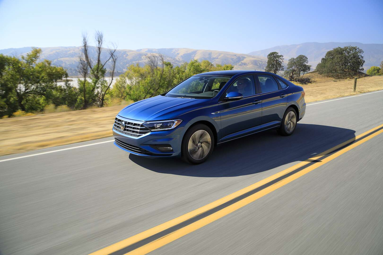 2019 Vw Jetta Gives A Stylish New Shape To Volkswagens Comeback At Timing Belt Broke Volkswagen