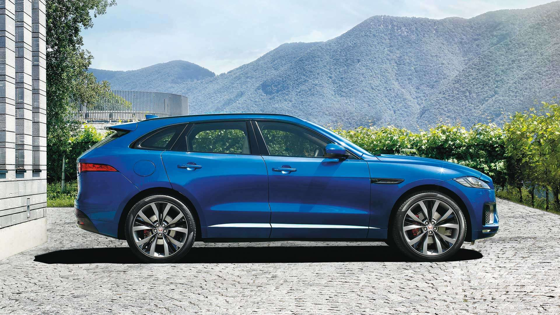 2018 Jaguar F Pace S Test Drive Review The Surprisingly Fun To 2017 Suv Interior Ranked