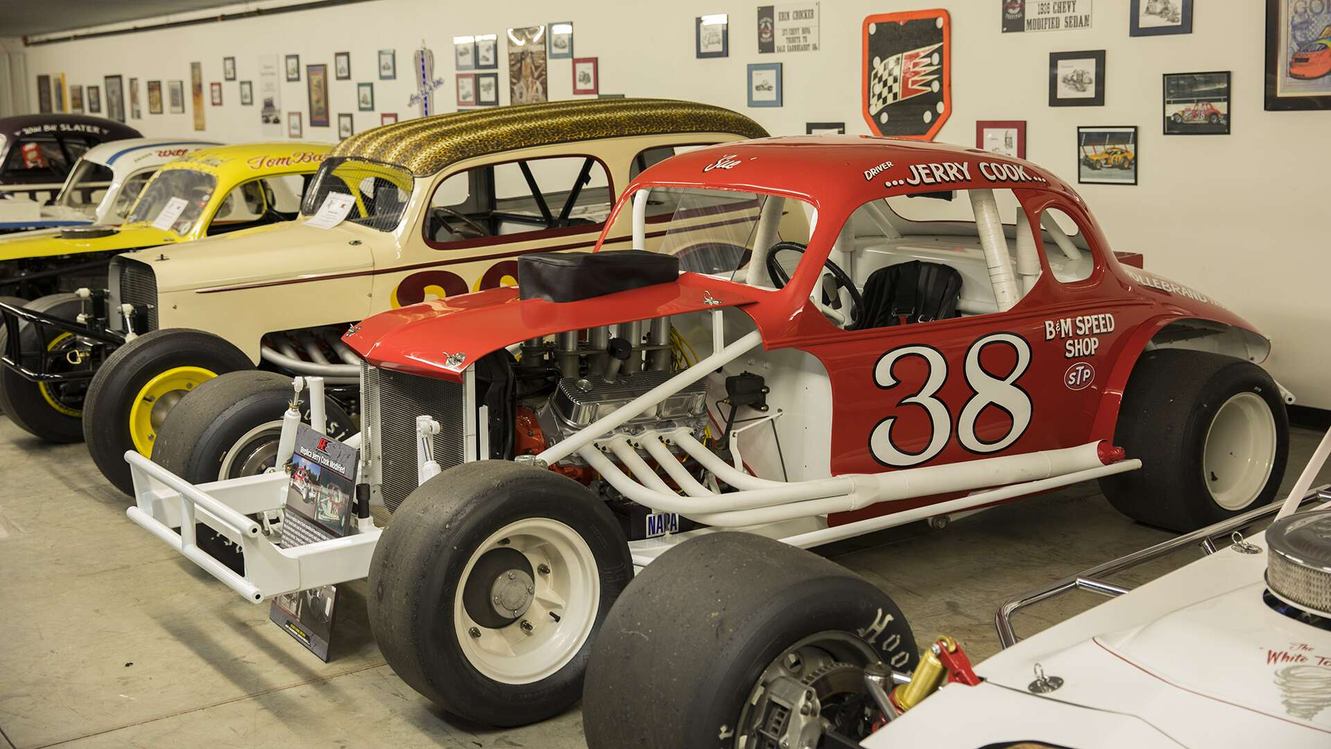 Nascar Modified Stock Cars Are Wider Shorter With Obnoxious Amounts