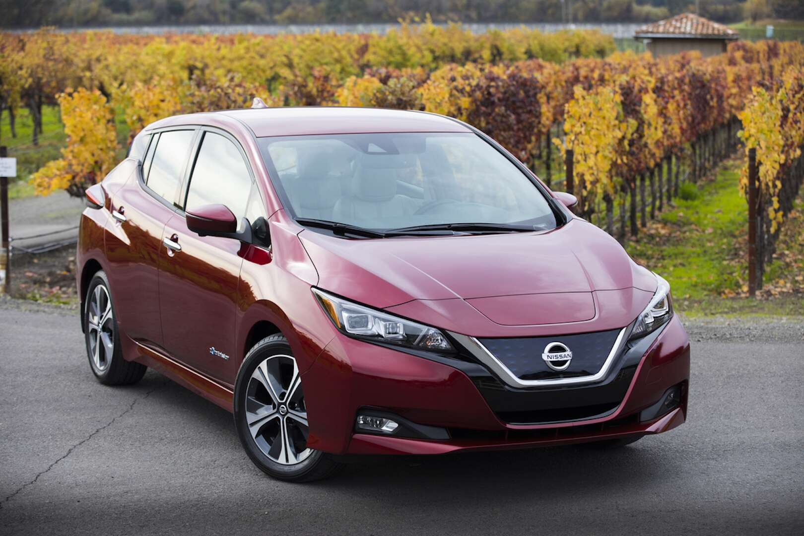 2018 Nissan Leaf Review An Otherwise Exemplary Electric Car Falls Short In Driving Range The Drive