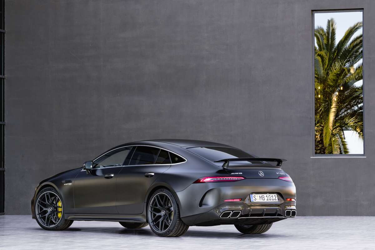 The Mercedes Amg Gt 4 Door Coupe Is Finally Here Drive Home Switches Way Benz Usa