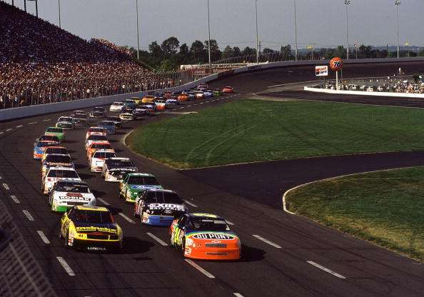 The 10 american racetracks with the most deaths are for Charlotte motor speedway drag racing