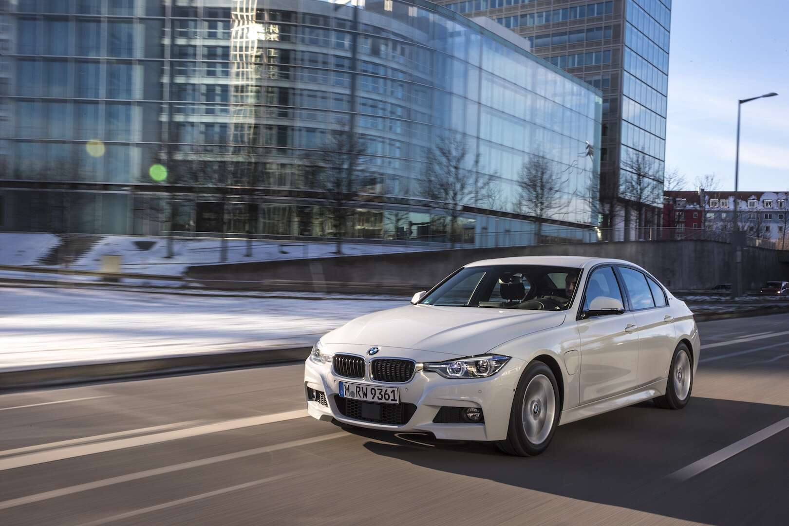 2018 Bmw 330e I Performance Test Drive Review A Plug In Hybrid 3 Series For Better And Worse