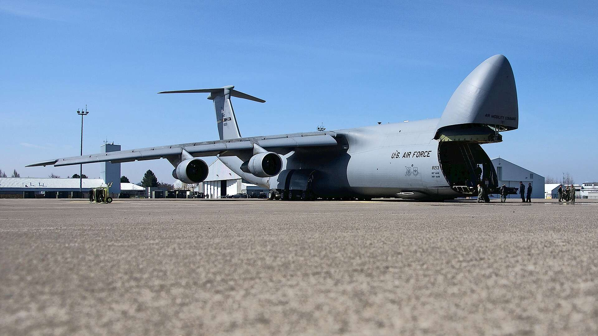 this air force spoof on mtv cribs offers a great tour of the c 5