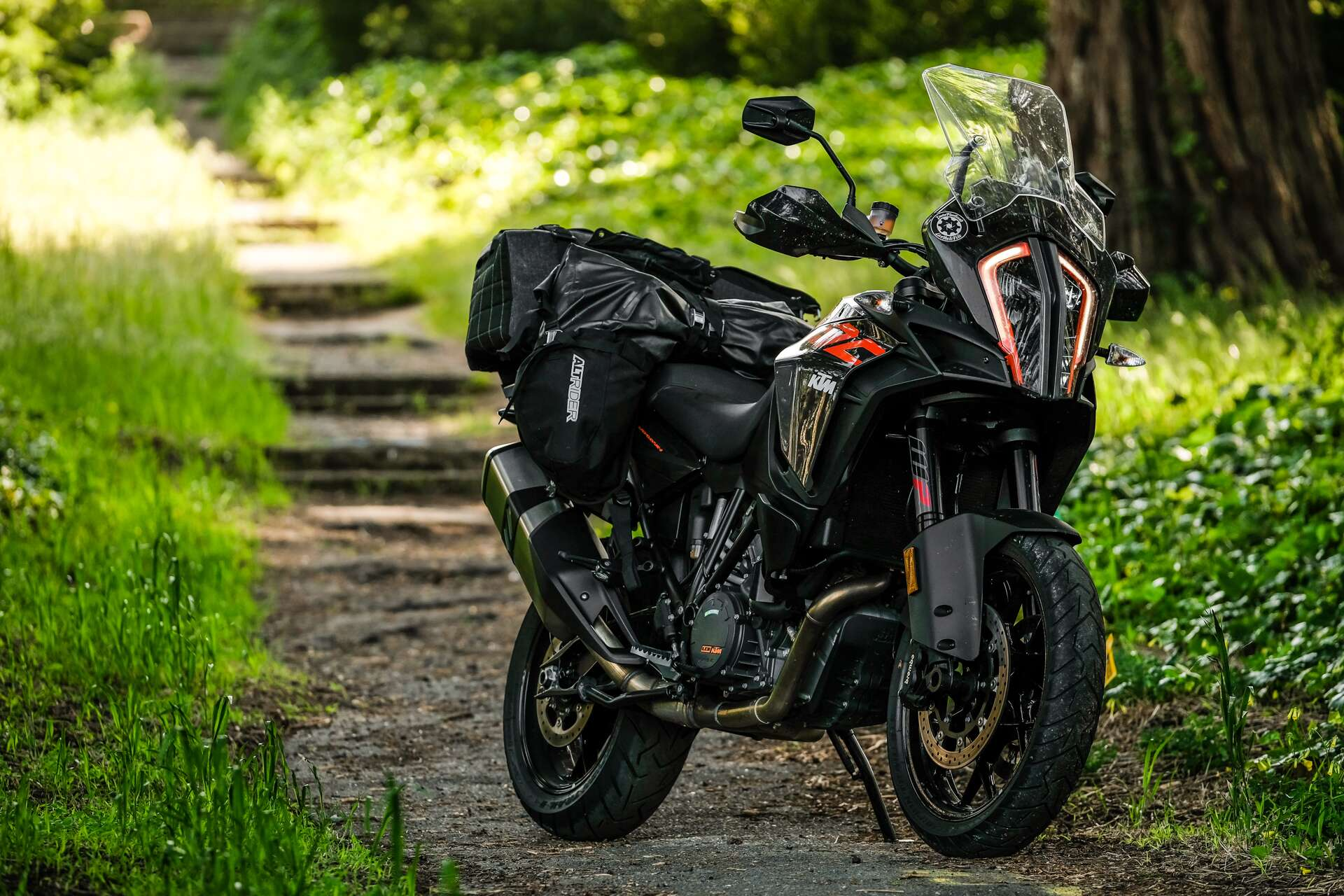 ktm 1290 super adventure s review paradise found on the. Black Bedroom Furniture Sets. Home Design Ideas