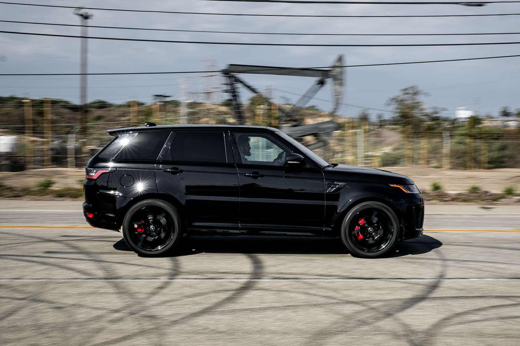 2018 Range Rover Sport SVR Review: This 575-HP Solid Wall of Sound ...