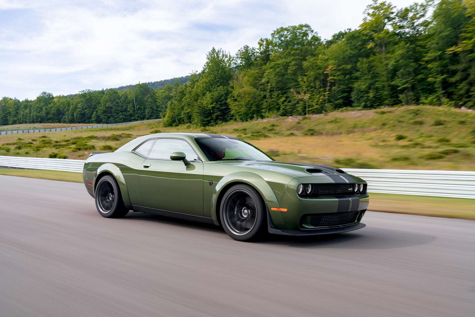 2019 Dodge Challenger First Drive Review Meet The Flying 797 Hp