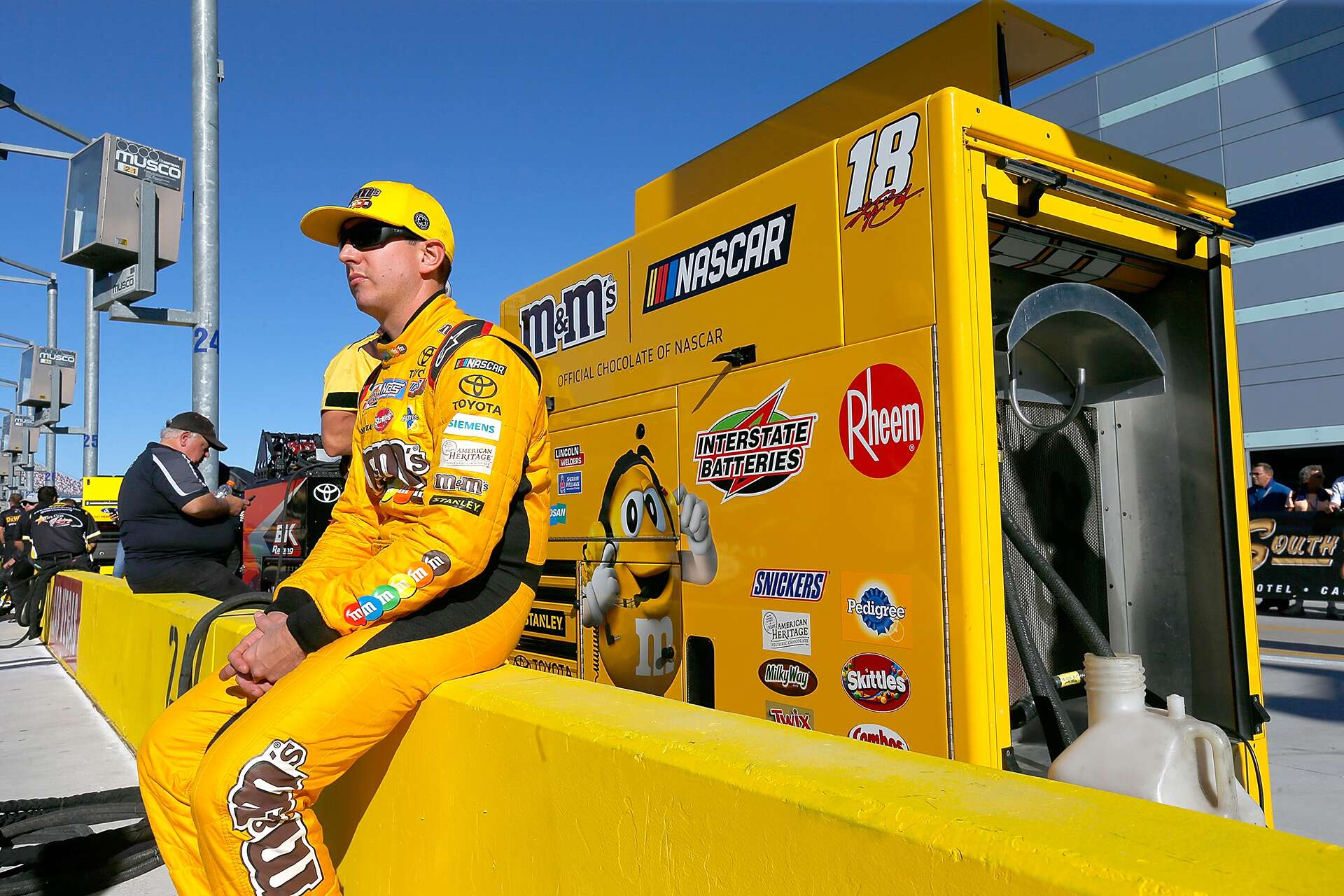 Preview south point 400 nascar cup series race las vegas for Las vegas motor speedway nascar