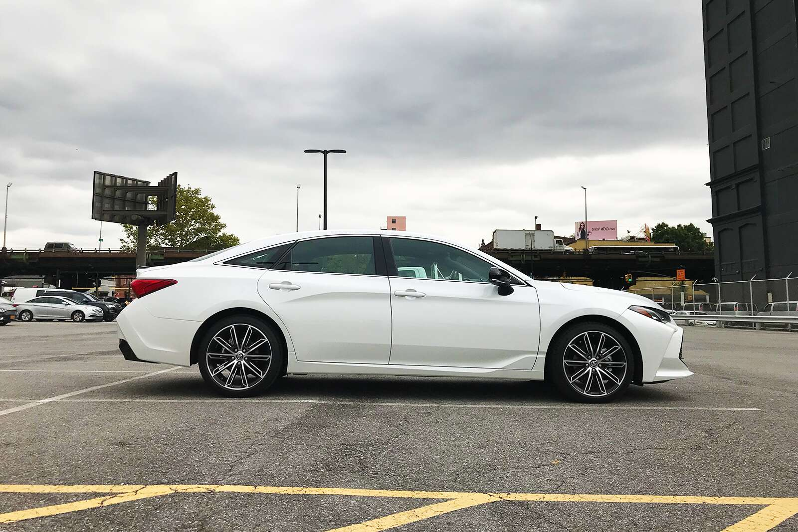 2019 Toyota Avalon Hybrid Test Drive Review A Full Size Sedan With