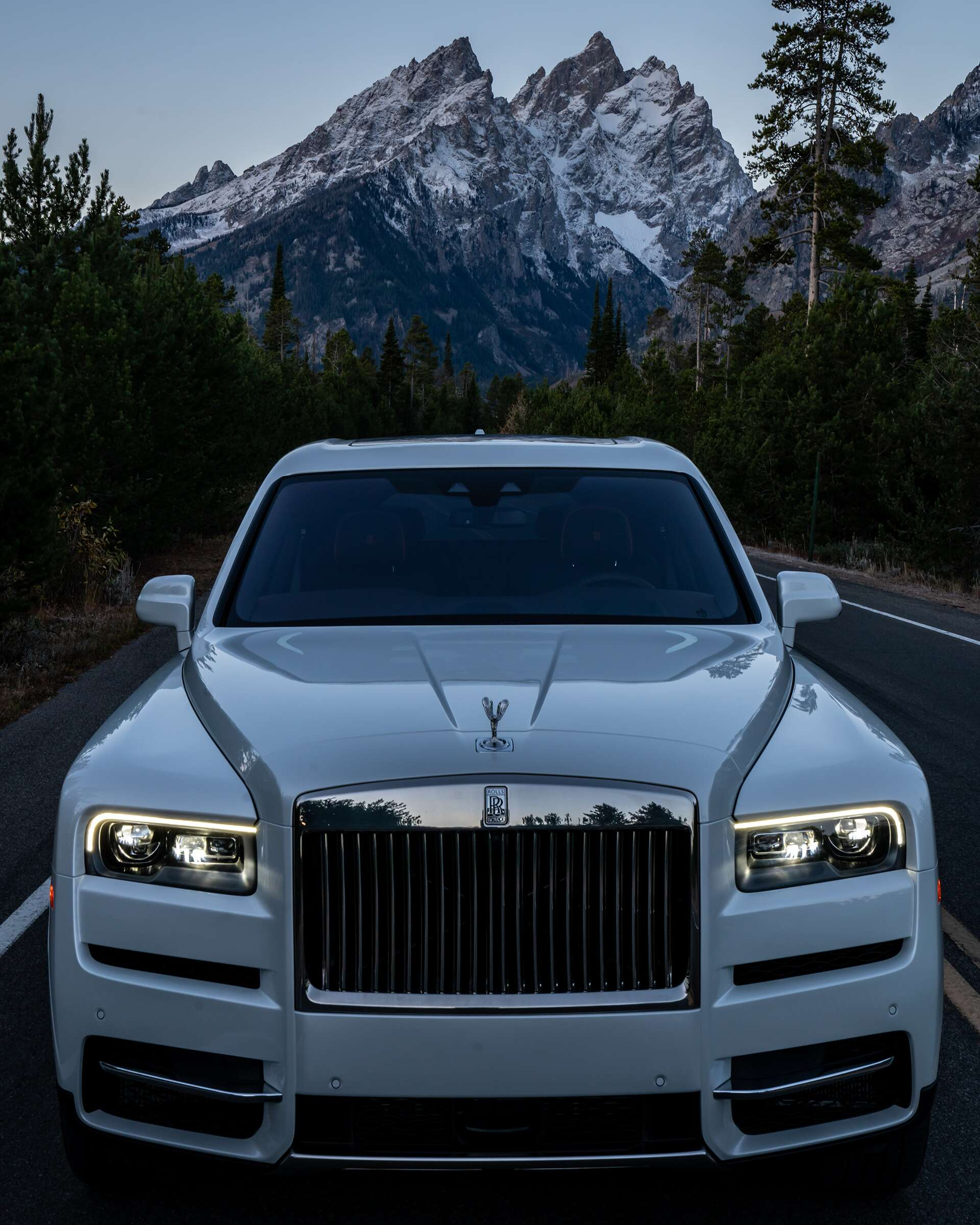 Supercar Duo Luxurycorp Rollsroyce