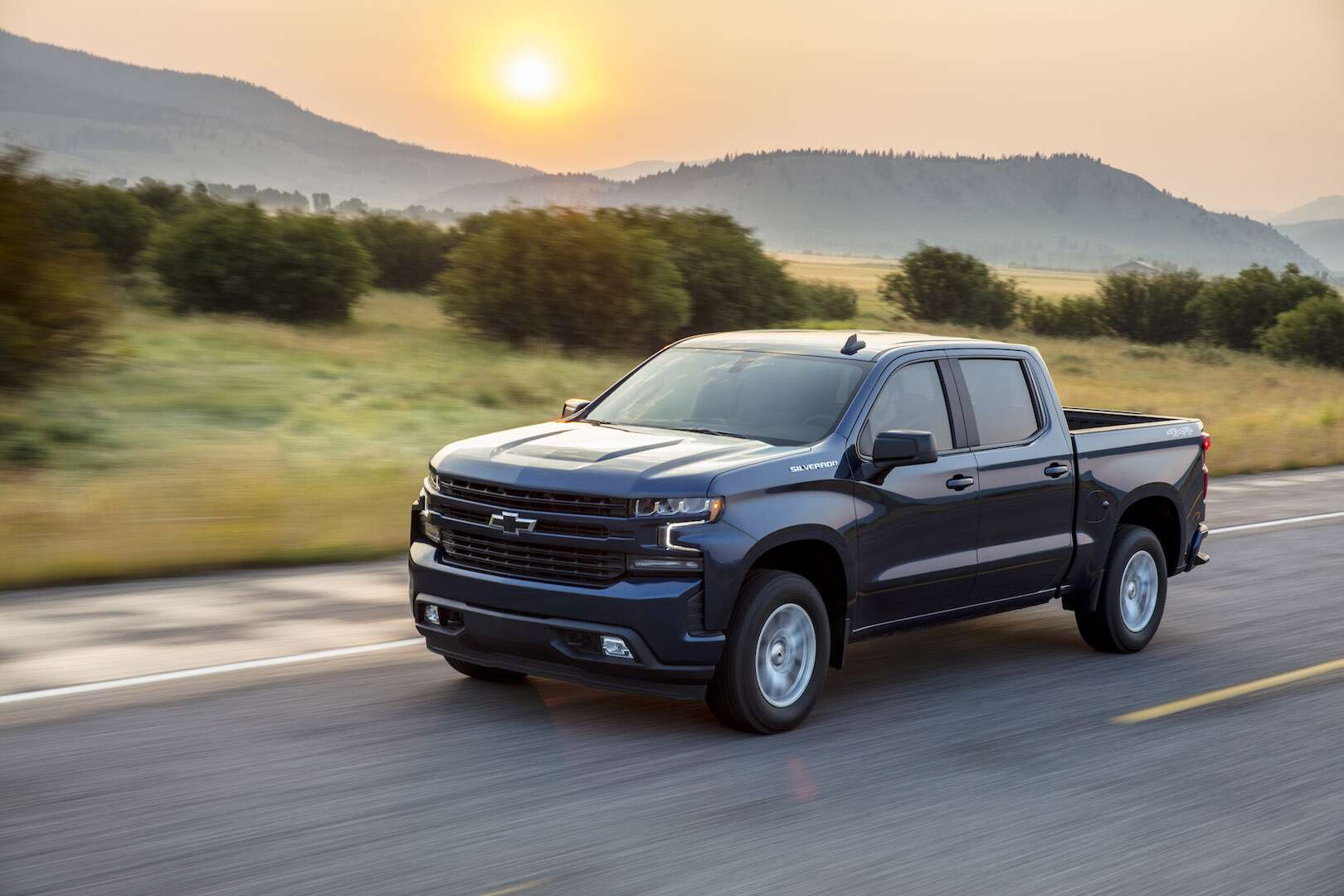 2019 Chevrolet Silverado Test Drive Review: GM's New Full ...