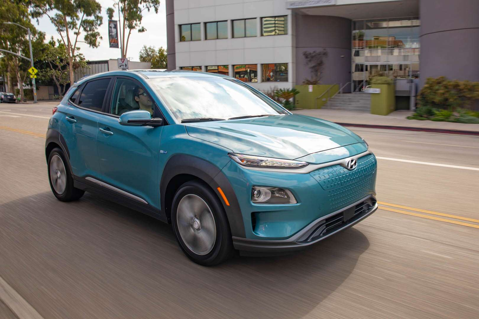 2019 hyundai kona electric new car review the longest range