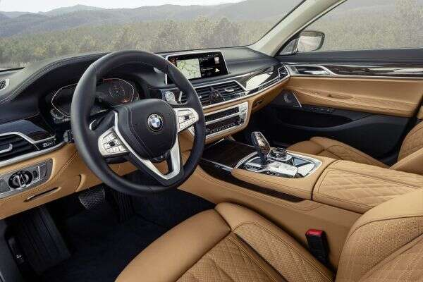 2020 Bmw 7 Series Bigger Grille Better Tech And New Phev Inline