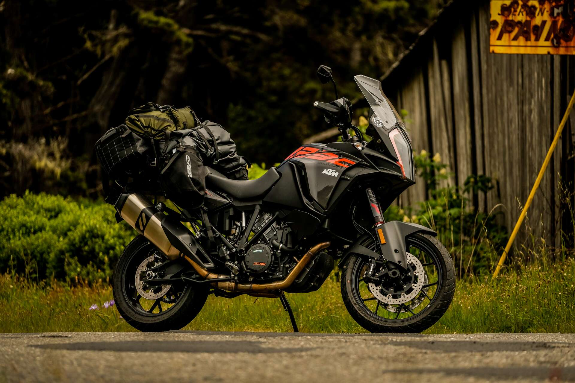 ktm 1290 super adventure s review paradise found on the only motorcycle you ll ever need the. Black Bedroom Furniture Sets. Home Design Ideas