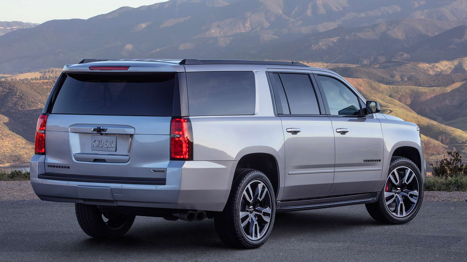 2019 Chevrolet Suburban RST Test Drive Review: A Camaro SS ...