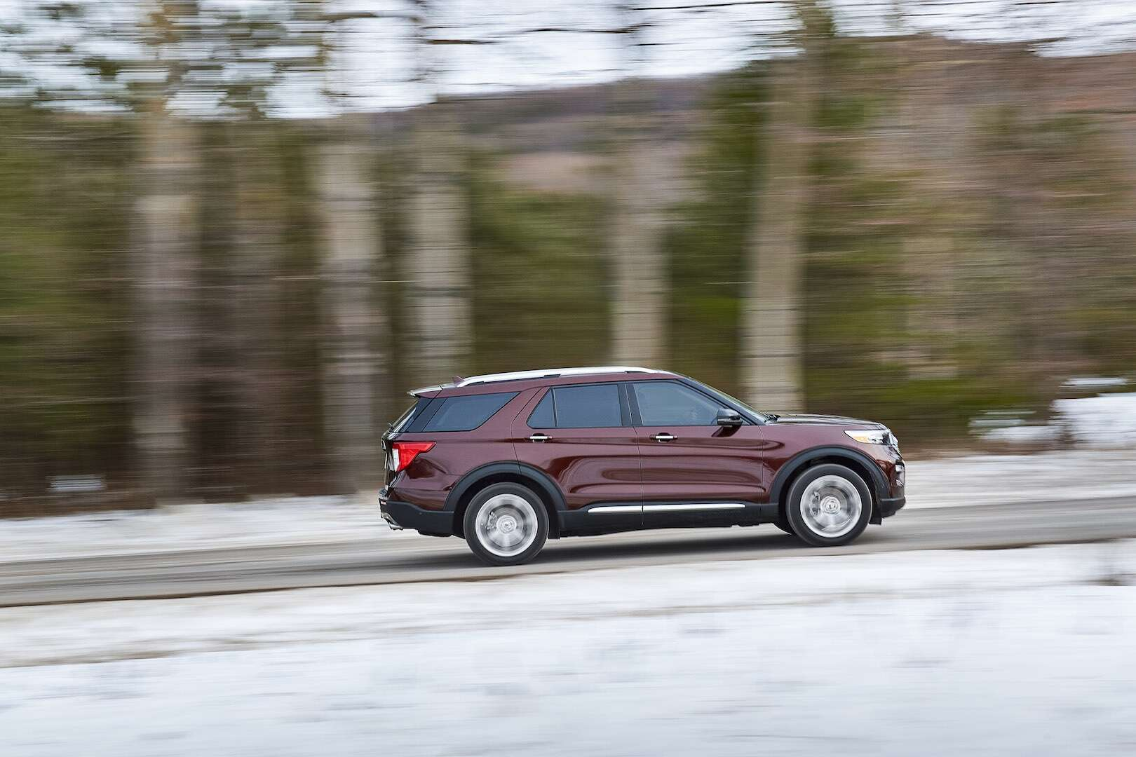 ford explorer revealed riding atop   rwd based suv platform  drive