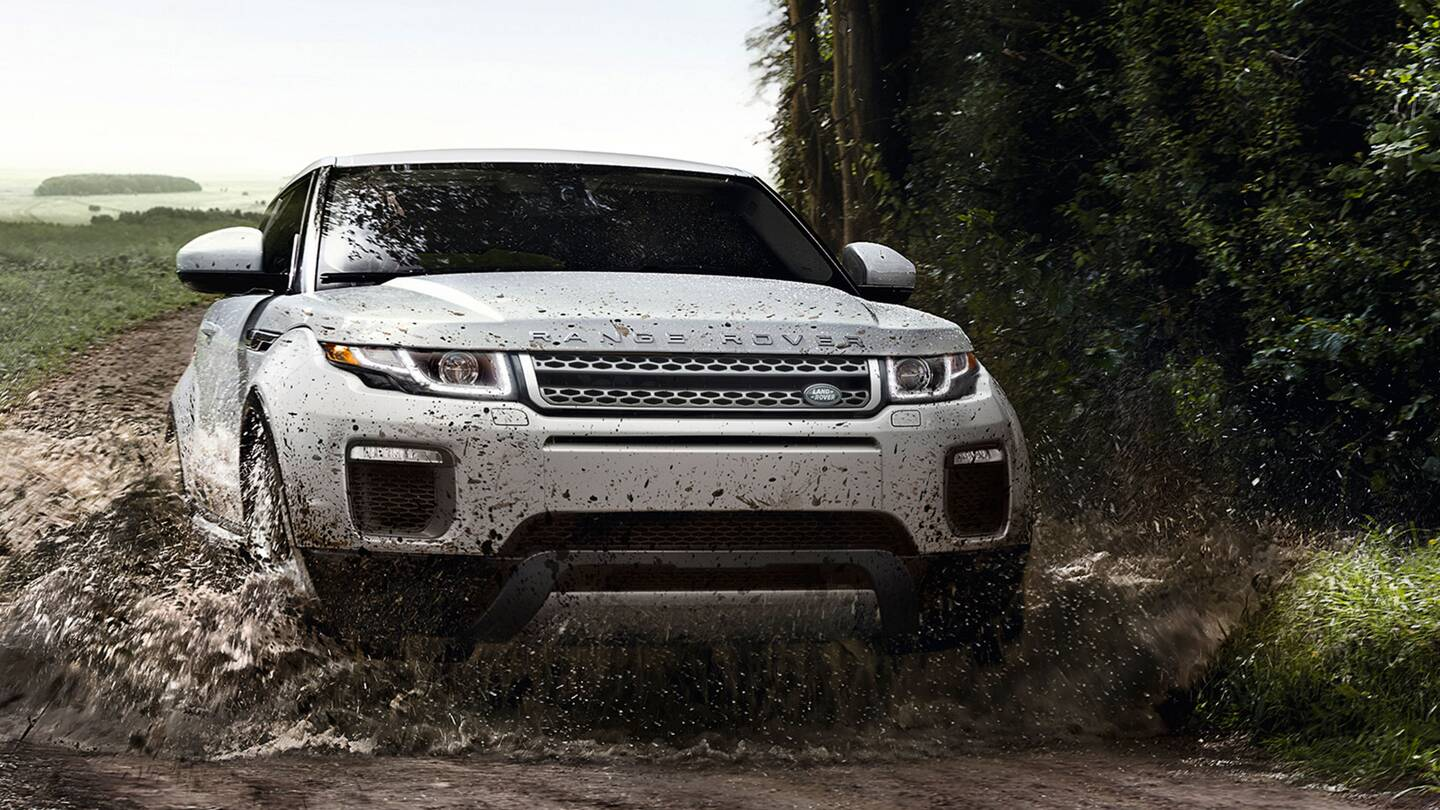 the citified off road capable range rover evoque is the definition of crossover the drive. Black Bedroom Furniture Sets. Home Design Ideas