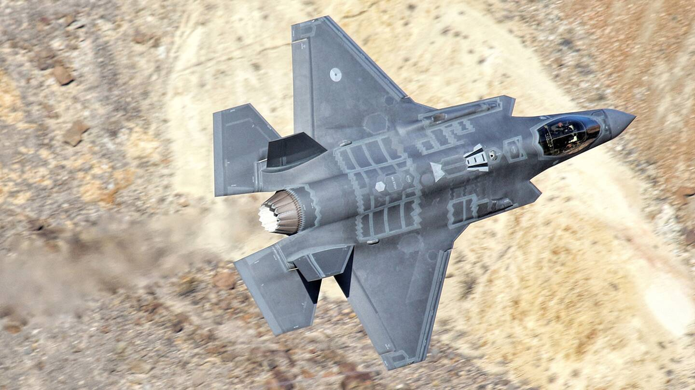 F 35 Caught Blasting Through Californias Star Wars Canyon