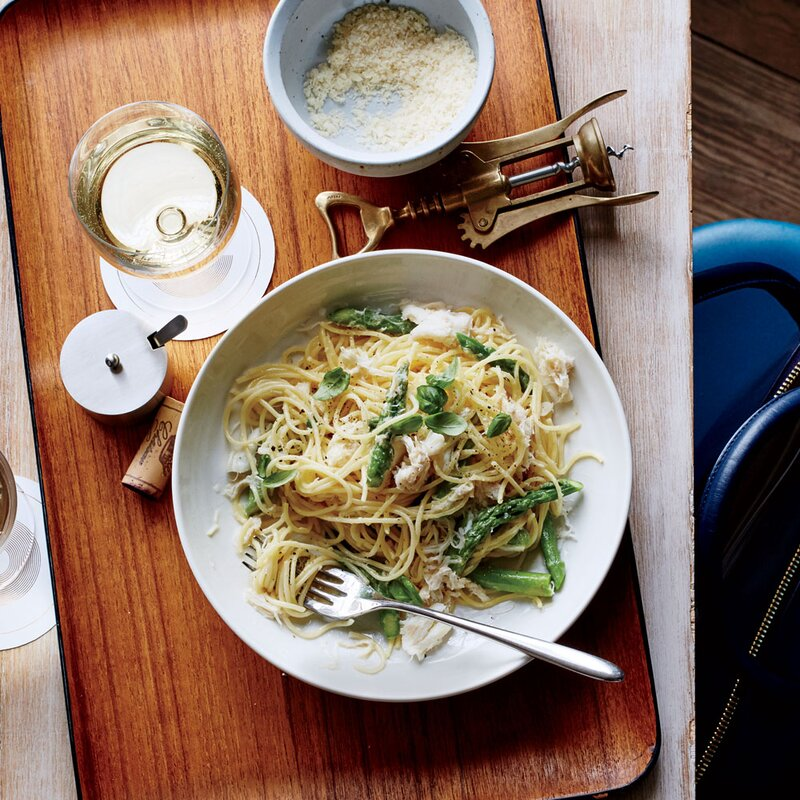 Thin Spaghetti with Crab and Asparagus